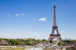 The Travel SIM card France is the best solution to stay connected during your trip.