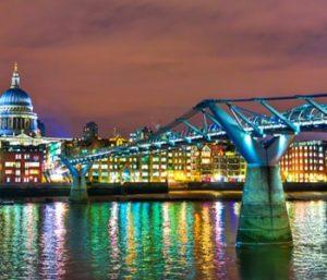 Visitez le Royaume-Uni et découvrez d'incroyables paysages ou infrastructures