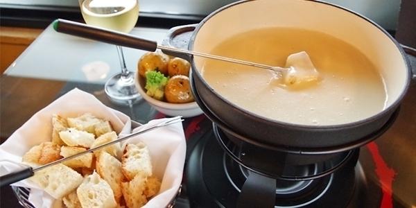 cheese fondue paris great food vacation